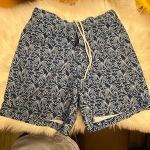 Southern tide blue and white shorts M size